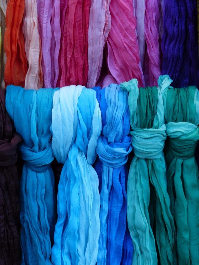 scarves-358004_1280