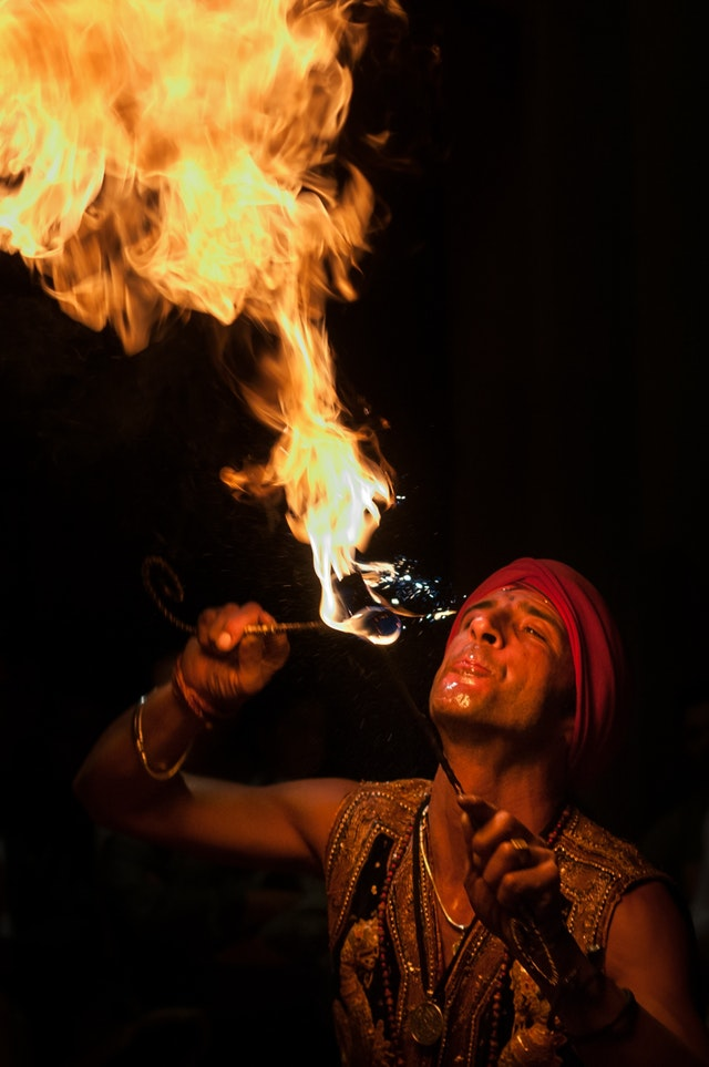fire-eaters-artist-juggler-fire-39075