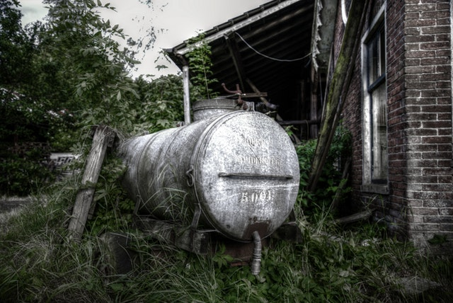 tank-green-house-old-442390