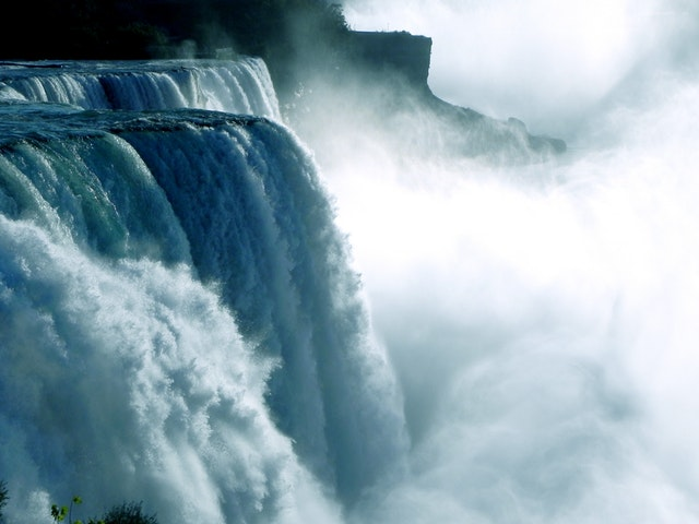 niagara-cases-water-waterfall-62627.jpeg