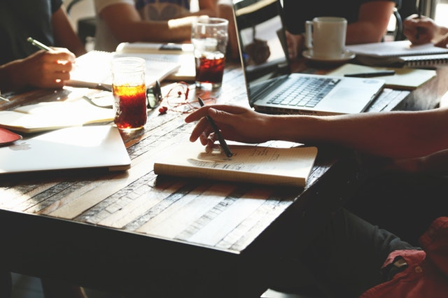 people-notes-meeting-team-7095.jpg