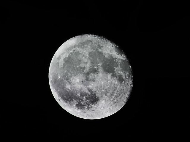 full-moon-illustration-684441.jpg